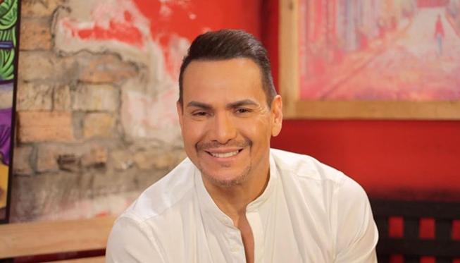 Canta a dúo con Victor Manuelle y gana un increíble celular gracias a Radio Panamericana.