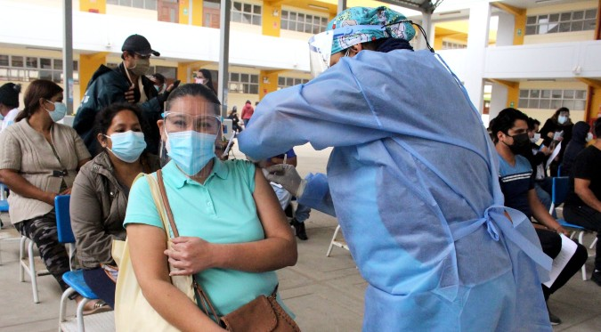COVID-19: Minsa inicia vacunación a personas con diabetes y obesidad